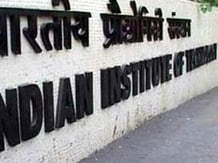 IIT Bombay to start Bachelor's prog in economics