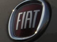 Fiat Chrysler, in settlement talks with US, is under more pressure