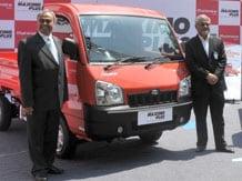 Mahindra to commercially launch electric Verito, Maximmo by February.