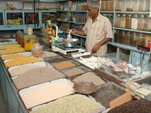 Modis-Gujarat-gets-partial-success-in-controlling-food-prices