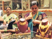Surge in gold jewellery from Indonesia alarms India