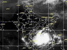 Cyclone Hudhud to touch 195 kmph speed tomorrow morning - Business Standard