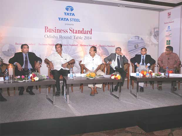 (From left) T V Narendran, MD, Tata Steel; Ashok Panda, minister for tourism & culture; Debi Mishra, minister for industries; Ansuman Das, CMD, Nalco; A N Sahay, CMD, MCL; and Jagadananda, founder and mentor, CYSD, at the Business Standard Odisha Rou