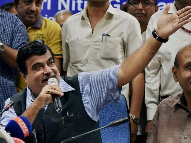 Minister of Road Transport & Highways  and Shipping,  Nitin Gadkari addressing the  media after releases E-Books of his Ministries on the completion of one year of the NDA Government in New Delhi