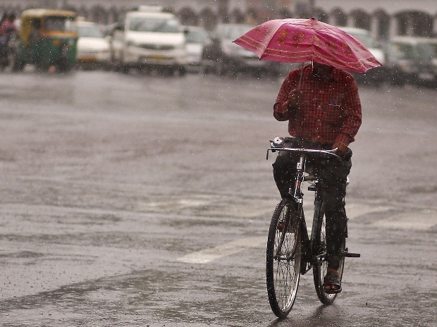 Southwest monsoon likely to hit Kerala in next 2 days: IMD
