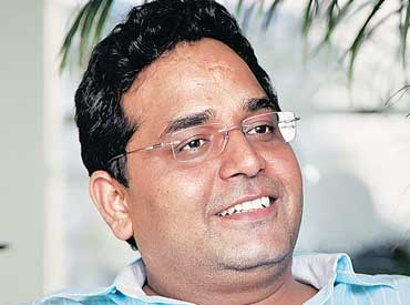 Do a jihad for independent internet, oppose Facebook Basics: Paytm's Vijay Shekhar Sharma