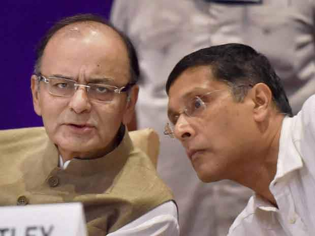 FM Arun Jaitley and CEA Arvind Subramanian at Annual Conference of the Chief Commissioners and Director Generals of CBEC in New Delhi on Monday, 24 August 2015 Picture by PTI