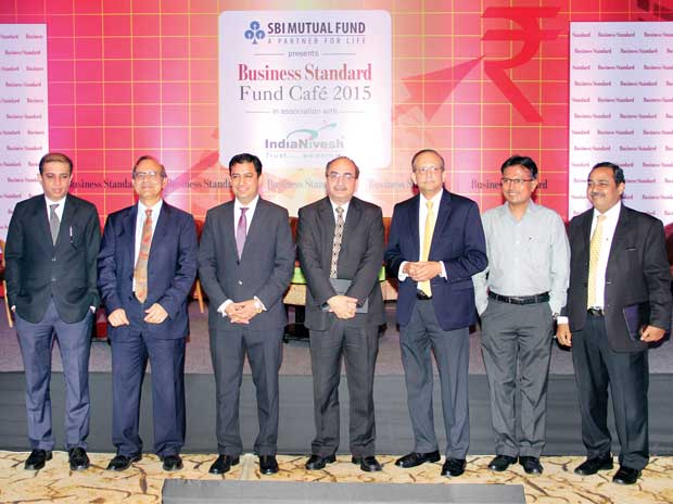 (From left) ICICI Prudential AMC MD & CEO Nimesh Shah, UTI Mutual Fund MD Leo Puri, Reliance Mutual Fund CEO Sundeep Sikka, SBI Mutual Fund MD & CEO Dinesh Khara, HDFC Mutual Fund MD Milind Barve, Kotak Mutual Fund MD Nilesh Shah and Birla Su