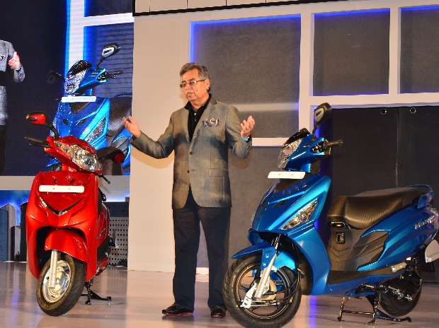 Hero, Honda offer up to Rs 12,500 discount on BS-III two-wheelers