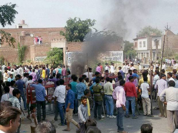 Villagers vandalise properties and resort to arson in Mainpuri district over rumours of cow slaughter in the area (File Photo)
