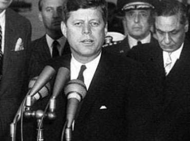 a discussion of the conspiracy with regards to john f kennedys assassination Conspiracy theories on the assassination of former president john f kennedy.