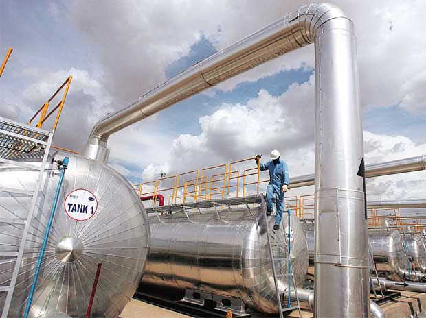 Lenders take over largest Indian oilfield service ...
