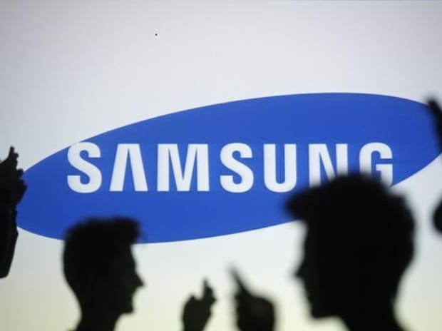 Samsung Electronics considers structural split as investor pressure builds