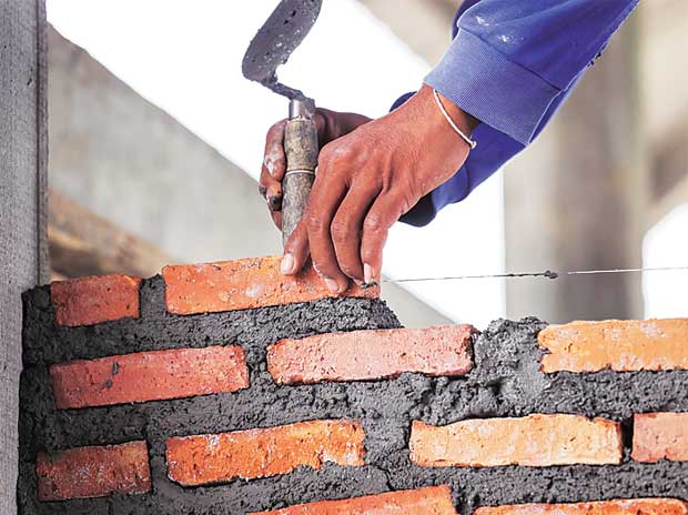 Jaiprakash gets four bids for 20 mtpa cement biz