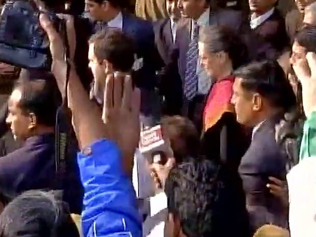 Sonia Gandhi and Rahul Gandhi leave from Patiala House Court. Photo: ANI