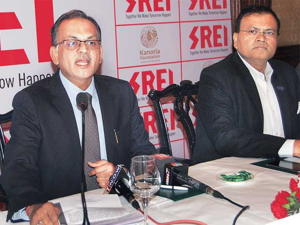 Hemant Kanoria (left), CMD and Sunil Kanoria, vice-chairman, Srei Infrastructure Finance, at a press meet in Kolkata on Tuesday