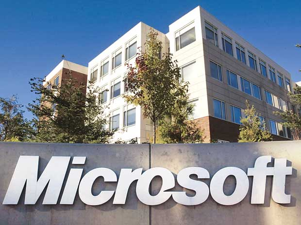 Microsoft to warn victims of possible email hack