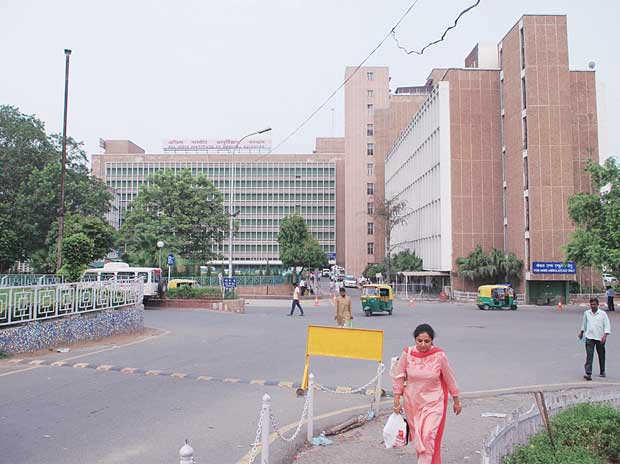 AIIMS director supervising corruption probe against himself