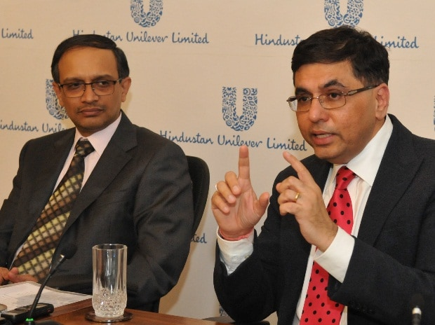 (from left to right) P B Balaji, CFO, HUL and Sanjiv Mehta, CEO and MD, HUL at the announcement of the company's third quarter results in Mumbai (pic: Suryakant Niwate)