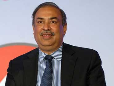 We will provide international roaming for 4G customers :   Sunil Sood, CEO & managing director, Vodafone India