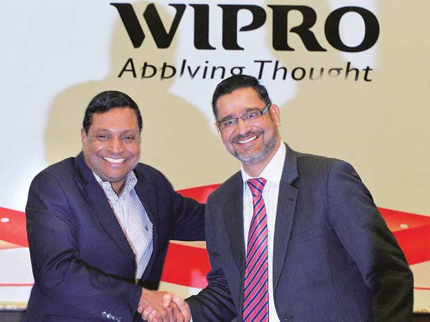 Wipro's Vice-chairman, T K Kurien,  (left) with new CEO, Abidali Neemuchwala