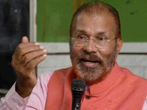 Former Deputy Inspector General for Gujarat DG Vanzara who is on bail in Ishrat Jahan fake encounter case addresses a press conference in Mumbai. Photo: PTI