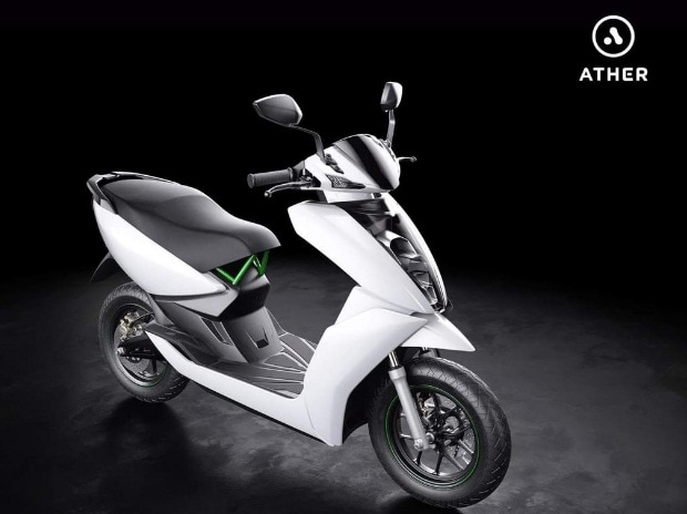 Scooters capture one-third of two-wheeler market