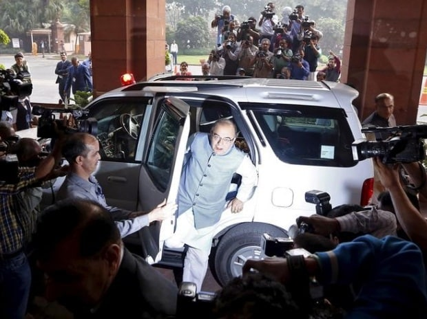 Finance Minister Arun Jaitley arrives at the parliament to present the federal budget for the 2016/17 fiscal year, in New Delhi (pic: Reuters)