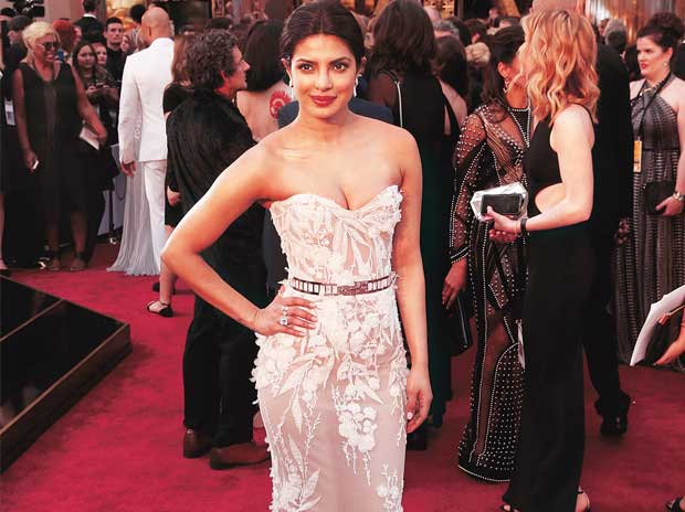 Priyanka Chopra  in a Zuhair Murad creation at the  2016 Oscars