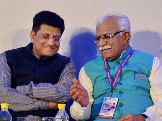 Minister of State for Power, Coal, New and Renewable Energy Piyush Goyal and Haryana Chief Minster Manohar Lal Khattar at 'Happening Haryana Global investors summit 2016' in Gurgaon