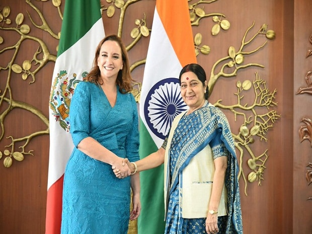 External Affairs Minister Sushma Swaraj meets Claudia Ruiz Massieu, Foreign Minister of Mexico in New Delhi  (Photo: Official Twitter Handle of Vikas Swarup)