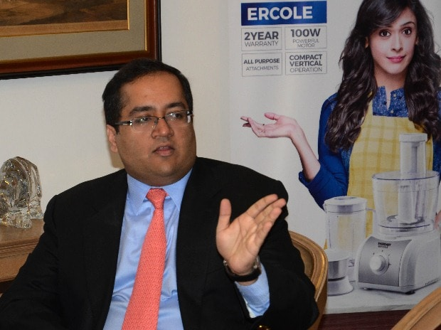 Amritanshu Khaitan, MD, Eveready Industries, at a press meet in Kolkata (pic: Subrata Majumder)