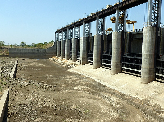 Latur water crisis worsens: city suffers more than rural areas