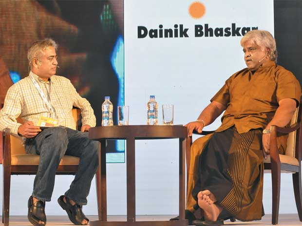 Rajdeep Sardesai (left) and Arjuna Ranatunga in conversation on Day Two of Goafest