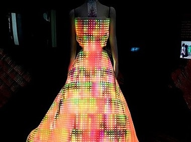 Soon, clothes that receive, transmit digital information