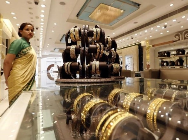 Kalyan Jewellers acquires online jewellery firm Candere