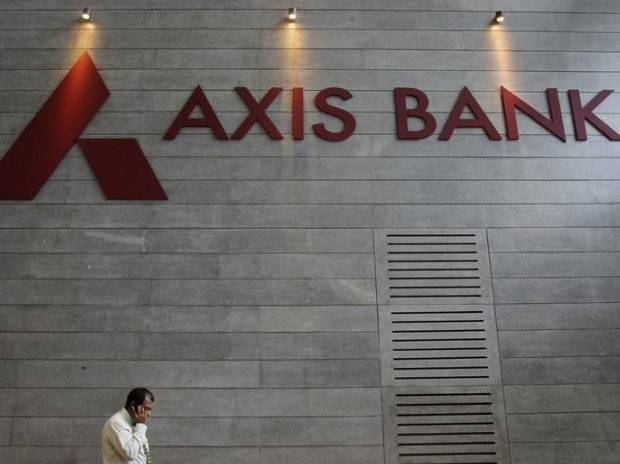 Axis Bank cuts home loan rate to stay in ...