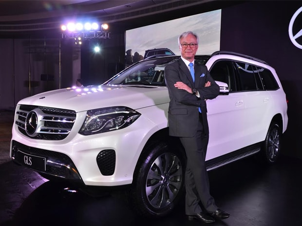 Mercedes benz launches upgraded 7 seater suv gls 350d at for Mercedes benz suv india