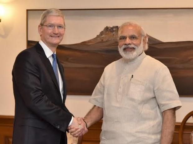 Apple CEO Tim Cook calls on PM Narendra Modi in ...