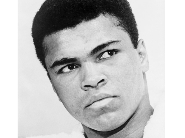 Bill Clinton to speak at funeral for Ali