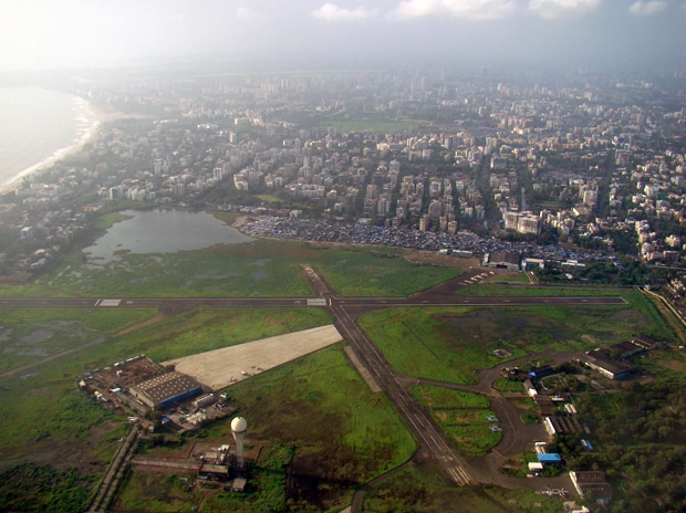 An aerial view of the Juhu airport in Mumbai. Photo: Himmat Rathore - Flickr/Wikipedia