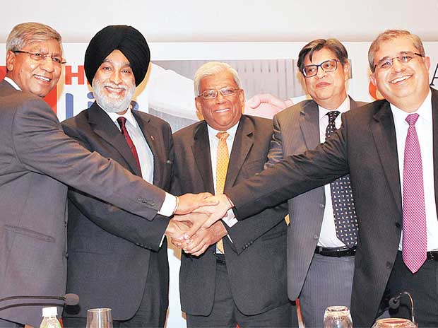 (Left to right) Mohit Talwar, managing director, Max Financial Services; Analjit Singh, founder and chairman emeritus, Max Group; Deepak Parekh, chairman, HDFC;  Rahul Khosla, president, Max Group; and Amitabh Chaudhry, managing director and chief ex