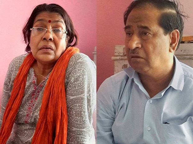 Bihar topper scam mastermind Lalkeshwar Singh and his wife Usha after they were arrested in a joint operation of Bihar and local police in Varanasi. Photo: PTI