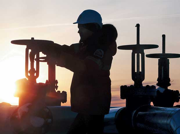 Oil prices fall on oversupply concerns despite shale cuts