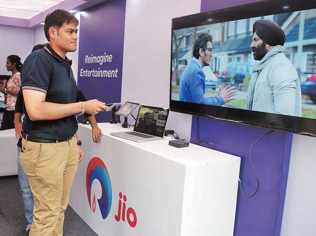 Reliance Jio test uses commercial airwaves, but ...