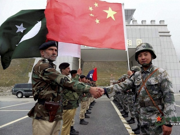 Chinese and Pakistan troops jointly patrolling the border connecting PoK with Xinjiang region