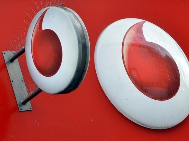 After Jio's entry, Vodafone posts 10% decline in FY17 operating profit
