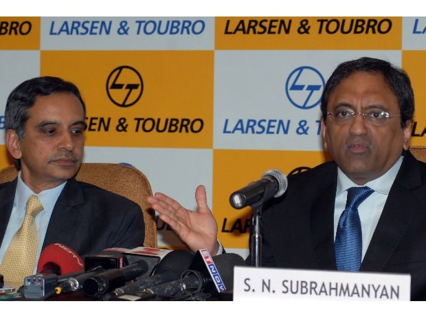 (From left to right) R Shankar Raman, CFO, L&T and S N Subrahmanyan, Deputy MD, L&T in Mumbai at the company's press conference to announce first quarter results (Pic: Kamlesh Pednekar)