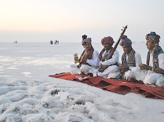 Artists perform at the Rann of Kutch. Photo: Wikipedia