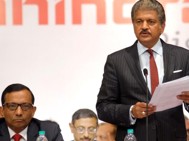 (From left to right) Pawan Goenka, ED, M&M and Anand Mahindra, CMD, Mahindra Group at the company's AGM in Mumbai (Pic: Kamlesh Pednekar)